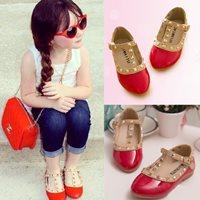 รองเท้าเด็ก-สไตล์-Valentino-Kid-V.2-สีแดง