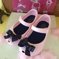 รองเท้าเด็ก-ติดโบว์-สไตล์-Mini-Melissa-สีชมพูอ่อน