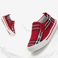 รองเท้าผ้าใบ-Canvas-Burberry-สีแดง