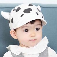หมวกเบสบอลหนูน้อย-ลายวัว-เขาวัวสีขาว