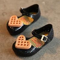 รองเท้าเด็ก-หัวใจใหญ่-สไตล์-Mini-Melissa-สีดำ