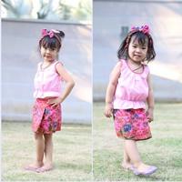 ชุดไทยเสื้อคอกระเช้า_ผ้าถุง_โบว์คาดผม-สีชมพู
