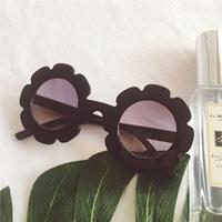 แว่นกันแดดแฟชั่นทรงกลมดอกไม้-สีดำ