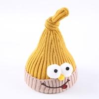 หมวกไหมพรมมัดจุก-ตุ๊กตาแลบลิ้น-สีเหลือง