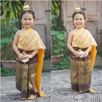 ชุดไทยสไบพีทและกากเพชร_ผ้าถุงหน้านาง-สีทอง