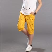กางเกงขาสั้นลายกราฟฟิกธงชาติ-สีเหลือง