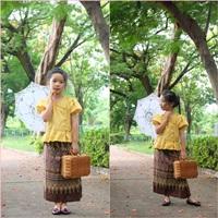 ชุดไทย-เสื้อลูกไม้คอวี-สีเหลือง_ผ้าถุงน้ำตาล