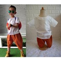 ชุดไทยเด็กเสื้อพื้นไหมญี่ปุ่น_โจงผ้าลายไทย-สีขาว