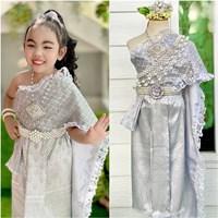 ชุดไทยหนูน้อยนพมาศ-ลูกไม้_ผ้าถุงหน้านาง-สีเงิน