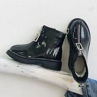 รองเท้าบูทแฟชั่นหนังเงา-แต่งซิปด้านหน้า-สีดำ