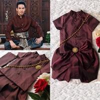 ชุดไทยเด็กชาย-พี่หมื่น-ผ้าทอยกดอก-สีเลือดหมู