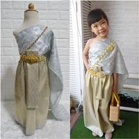 ชุดไทย-ผ้าถุงการะเกด-สไบกากเพชรสับปะรด-สีเทา