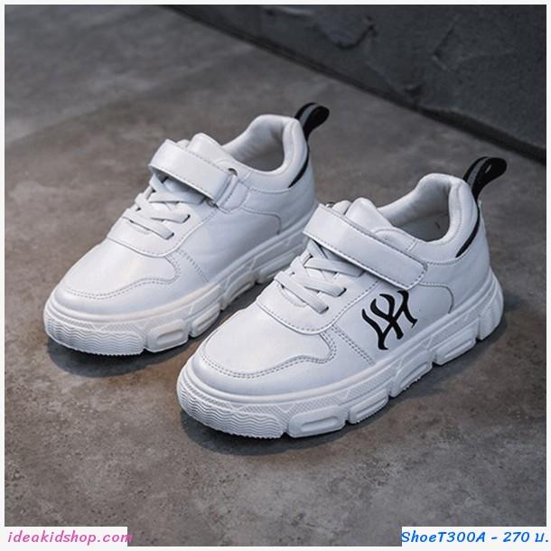 รองเท้าผ้าใบสปอร์ตสไตล์ NY สีขาวดำ
