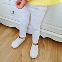 กางเกงเลกกิ้งฉลุลายลูกไม้-สีขาว