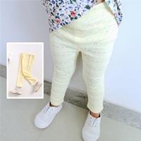 กางเกงเลกกิ้งฉลุลายลูกไม้-สีเหลือง