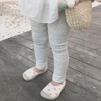 กางเกงเลกกิ้งฉลุลายลูกไม้-สีเทาอ่อน